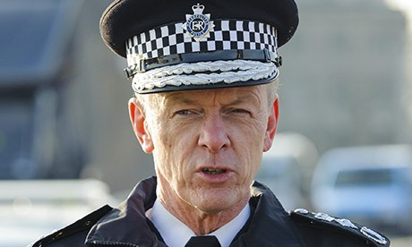 Bernard Hogan-Howe. Commissioner of Police of the Metropolis and a flatulent windbag.
